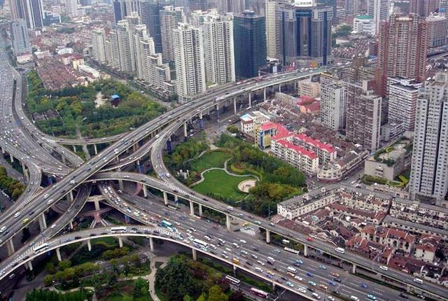 Photo of Shanghai, China courtesy of Alex Needham via Wikimedia Commons.