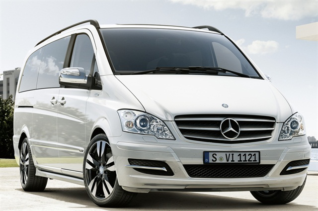The Mercedes-Benz Viano received the Best People Mover of the Year award from the Motoring Matters Magazine Group awards.