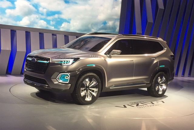 Photo of the VIZIV-7 SUV Concept courtesy of Paul Clinton.