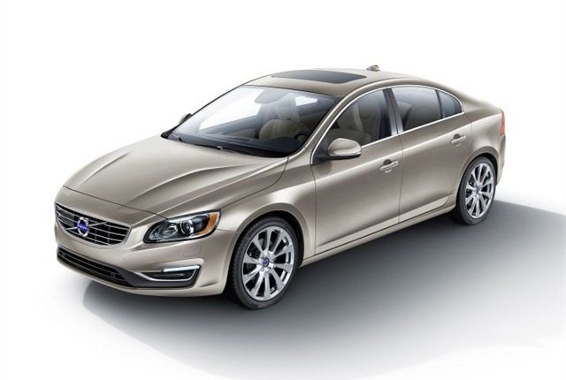 Photo of S60 Inscription courtesy of Volvo.