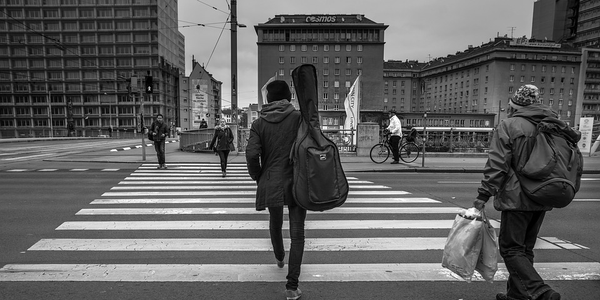 Photo of pedestrian crossing via Pixabay.