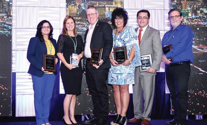 Fleet Visionary recipients accepting accepting their awards at the AFLA 2017 conference. 