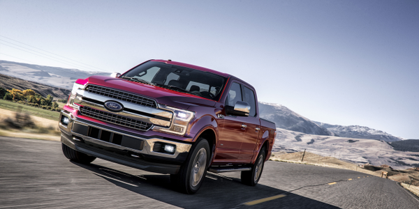 Photo of 2018 F-150 Lariat large pickup courtesy of Ford.