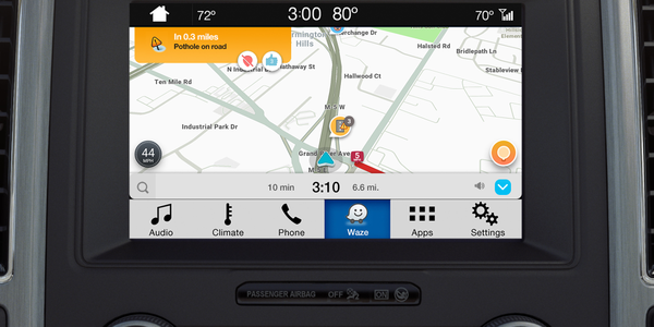 Photo of Waze navigation map on SYNC 3 courtesy of Ford.