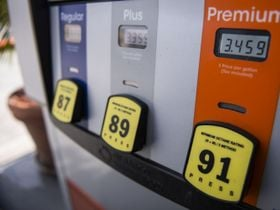 Gasoline Pushes Higher to $2.75 Per Gallon