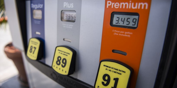 The national average gasoline price remained static at $2.85 per gallon for the week ending...