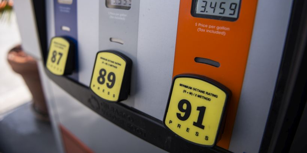 Gasoline prices remain steady heading into the Labor Day weekend.
