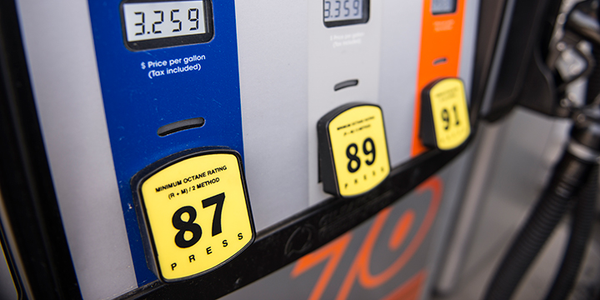 Weekly gasoline prices fell for the first time since the middle of March.