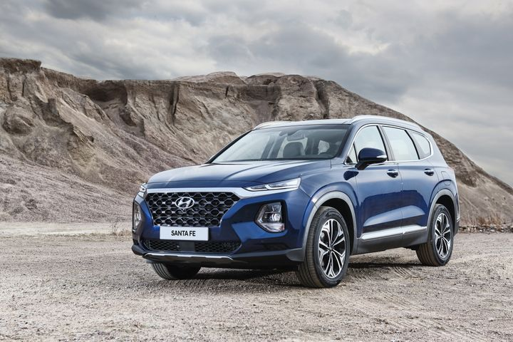 Hyundai will offer 2019-MY fleet incentives on eight nameplates, including its Santa Fe midsize SUVs.