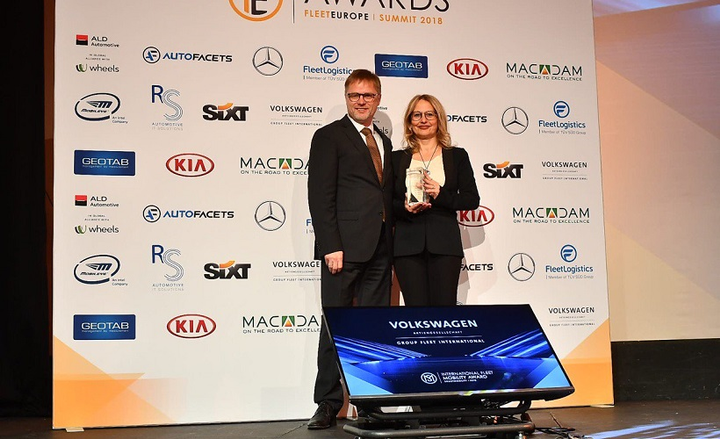 Luxottica received the International Fleet Mobility award, which is given to a company for implementing a green project or an initiative in efficient alternative mobility solutions. Laura Gobbis (right), travel and fleet procurement manager, Luxottica, accepted the award on behalf of the company. Ralf Kostrewa, head of Volkswagen Group Fleet Sales International, presented the award.