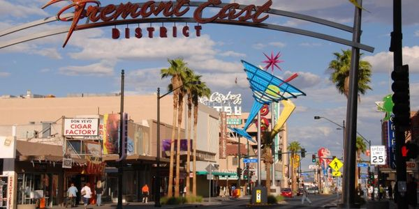 Each month Las Vegas, Nevada swells with visitors who rent cars and tool around the desert. More...