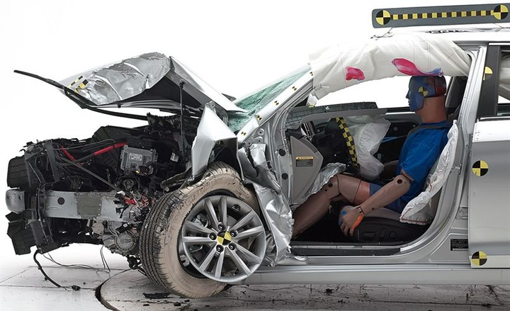 The 2019 Hyundai Sonata (shown) performed well in the small front overlap test to gain a Top Safety Pick+ award.