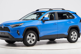 Toyota's 2019 RAV4 Grabs Top Safety Award