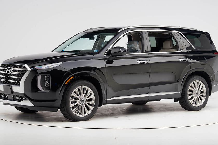 The 2020 Palisade has earned an IIHS Top Safety Pick+ when equipped with the upgraded headlights.
