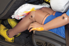 Knee Airbags Offer Limited Protection, IIHS Finds