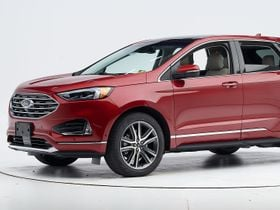 Ford Edge Captures Top Safety Pick Award