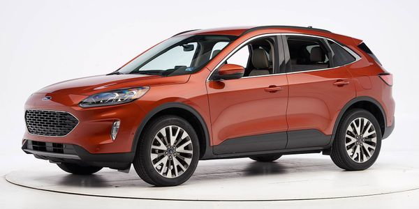 Ford's fourth-generation 2020 Escape has been named a Top Safety Pick.