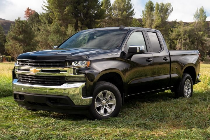 Chevrolet's new 2.7-liter turbocharged 2019 Silverado can deliver 23 mpg in highway driving.  - Photo courtesy of GM.