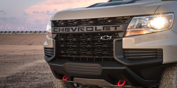 Chevrolet is giving its Colorado midsize pickup a facelift for the 2021 model year.
