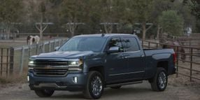 Chevrolet to Sell Existing Silverado With Next-Gen Truck