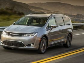 FCA Recalls Chrysler Pacifica Vans for Video Defect
