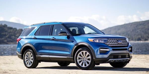 Ford will offer the gasoline-electrid 2020 Explorer Hybrid, the automaker announced.