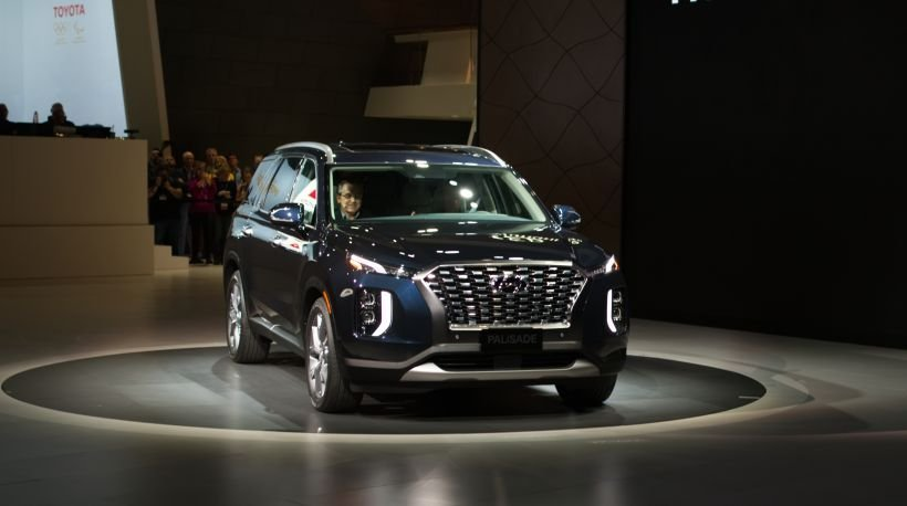 Hyundai's three-row 2020 Palisade will arrive this summer as the automaker's new flagship SUV.