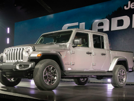 The 2020 Jeep Gladiator will compete agaainst a crop of other midsize pickups in one of the...