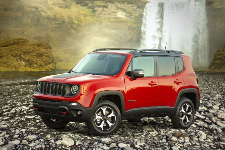 FCA is recalling its 2019 Renegade for a software defect.