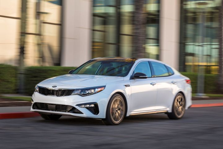 Kia has announced 2019-MY commercial fleet incentives for nine vehicles, including the Optima midsize sedan (shown).