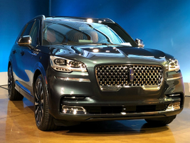 The 2020 Lincoln Aviatordelivers an array oftechnologies starting with a suspension system...