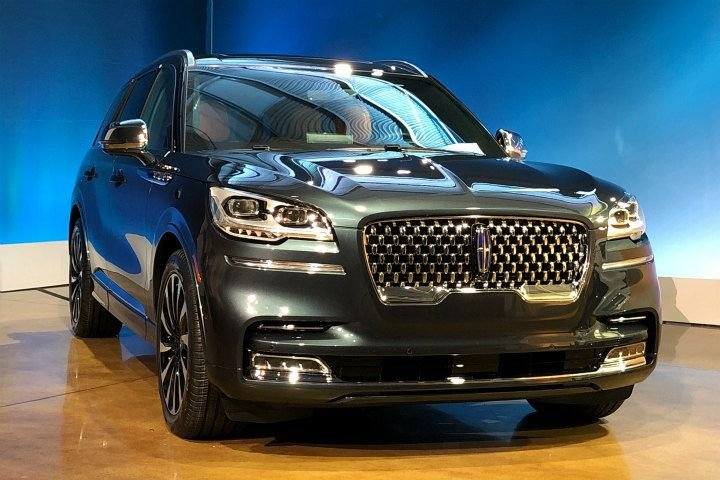 """The 2020 Aviator will come with a """"presidential grille.""""  - Photo by Paul Clinton."""