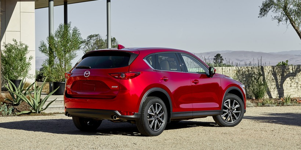 Mazda's planned diesel CX-5 has received fuel economy ratings that are similar to the gasoline...