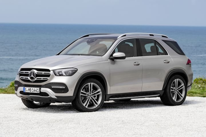 Mercedes-Benz is refreshing its GLE for 2020 and adding an array of driver-assisting tech.