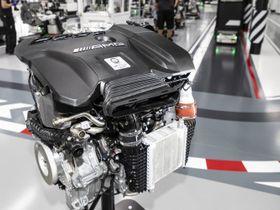 Mercedes-Benz Develops 416-HP Four-Cylinder Engine