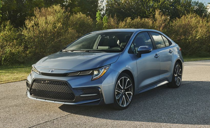 Toyota will offer an $800 fleet incentive for its new Corolla Hybrid, among its 2020 fleet incentives.