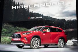 Toyota's 2020 Highlander Boosts Efficiency
