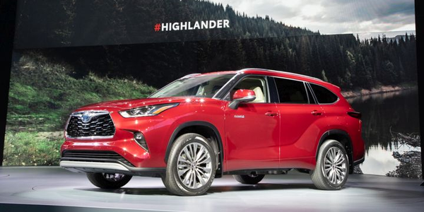 Toyota's 2020 Highlander adds safety tech and a significantly more efficient hybrid model.
