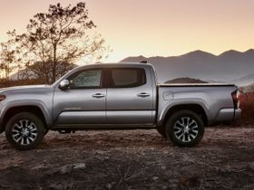 Toyota Sets 2020-MY Delivery Dates