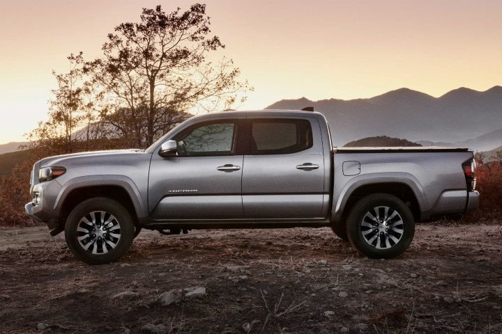 Toyota's 2020 Tacoma gets a facelift that adds more infotainment technology, comfort, and styling even for its base SR model.