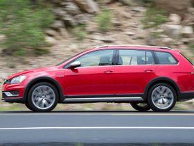 Volkswagen Discontinues Golf Alltrack, SportWagen