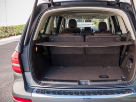 The GLS450 can accomodate up to 93.8 cubic feet of cargo with its second and third row folded.