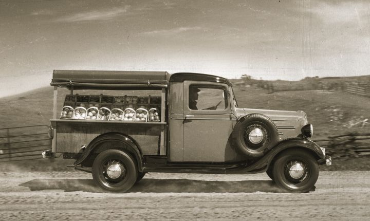 1939-1946:Chevrolet build trucks for WWII that included a 14-ton armored car. Civilian...