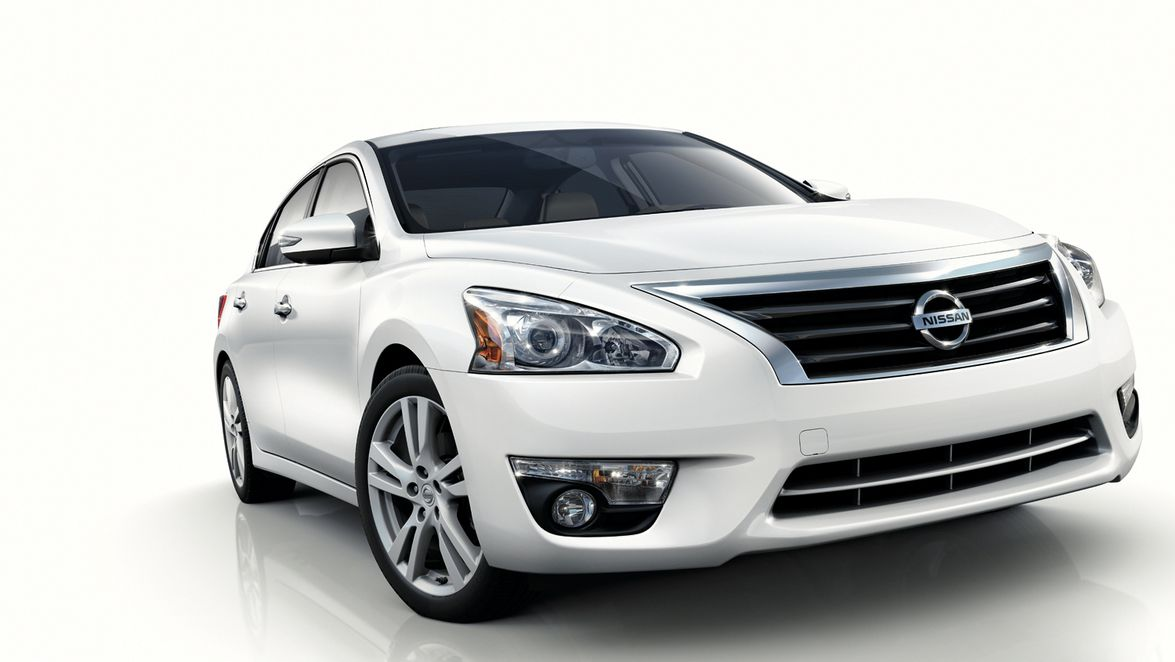 Nissan estimates the 2013-MY Altima will achieve a combined mpg of 31.