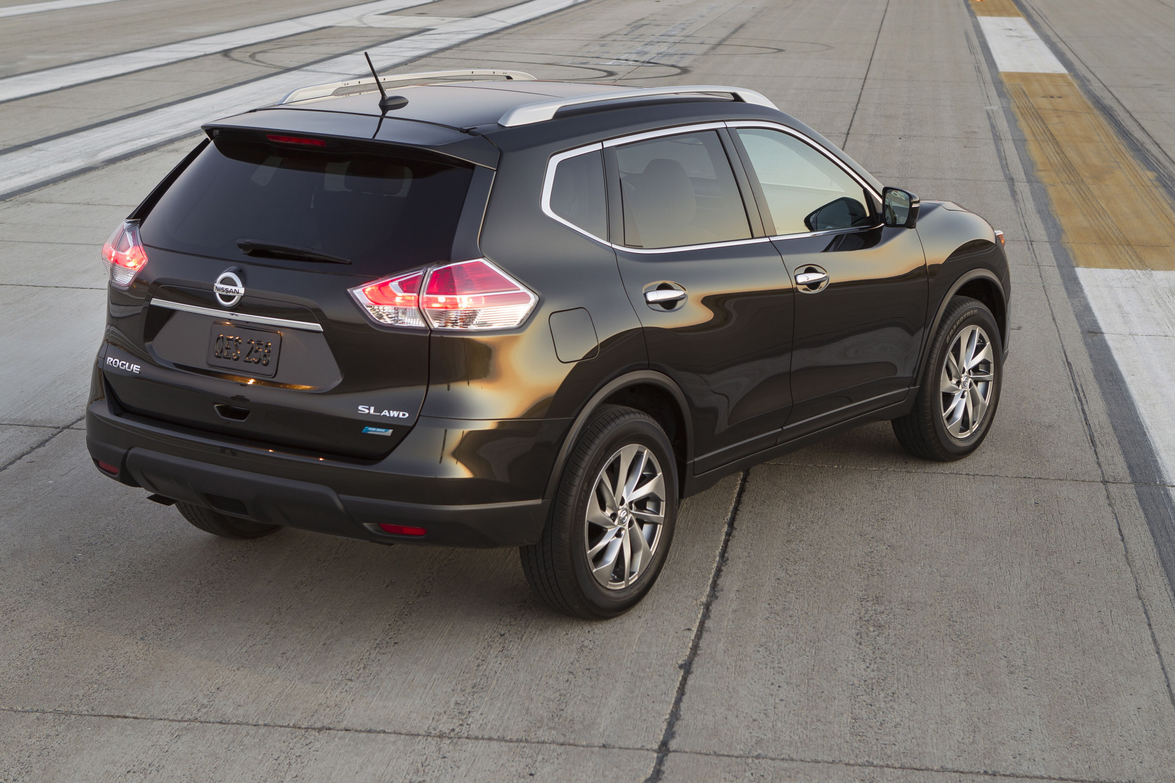 A power liftgate is an option for 2014. Photo courtesy Nissan.