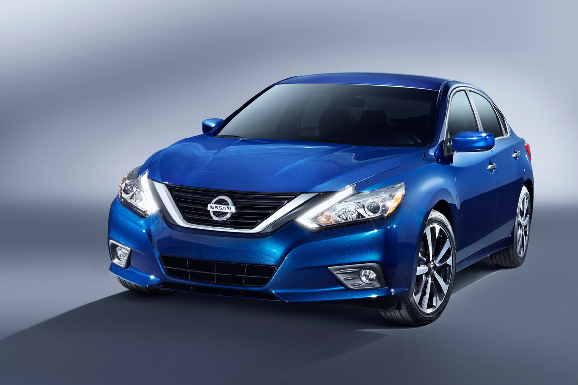 The 2016 Altima gets an EPA-rated 39 mpg on the highway, up from the 38 mpg of the 2015 model.