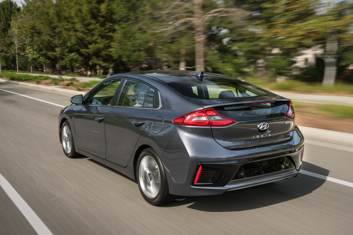 The Ioniq Hybrid features specially-designed two-tone contrasting 15- or 17-inch alloy wheels.