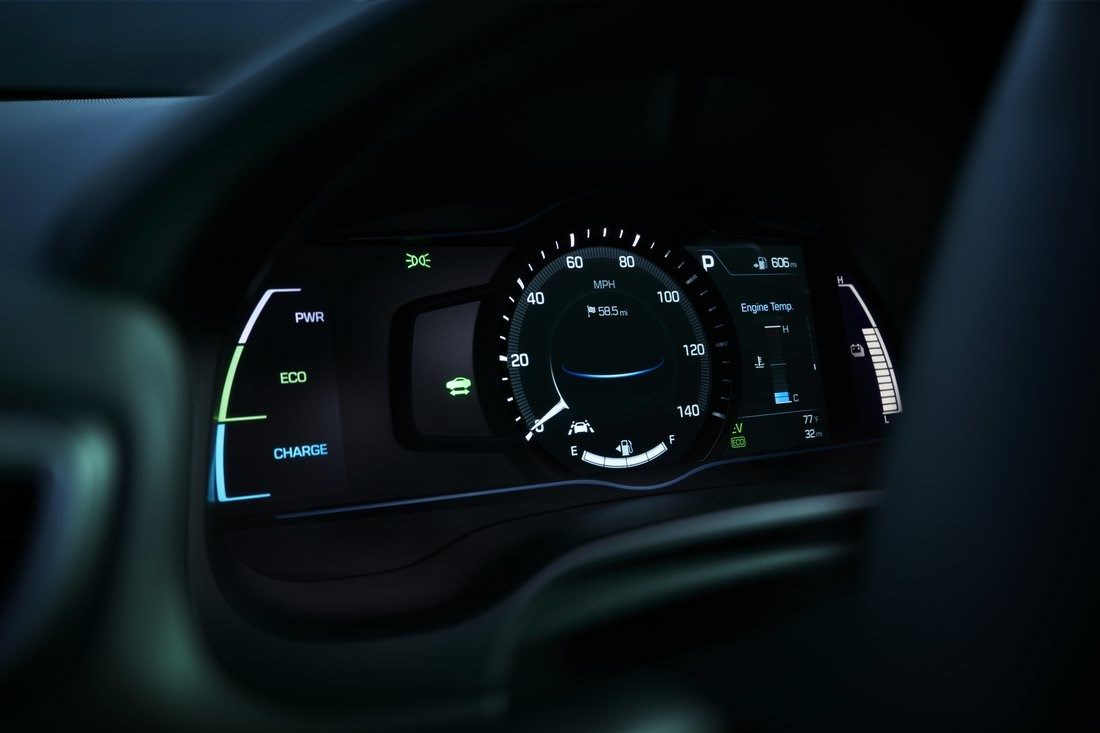 Depending on the selected drive mode, background color and gauges are adapted to always provide...