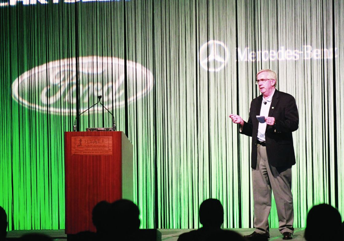 John Dmochowsky, CAFM, sales fleet manager for Kraft Foods, helped open the conference.