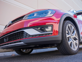 The Golf Alltrack offers 18-inch wheels and all-season tires.